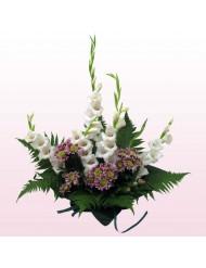 Гладиоли и хризантеми